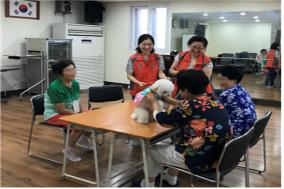 """""""견(犬)선생 고마워~""""서울시, 동물교감치유활동 2,000회 돌파"""